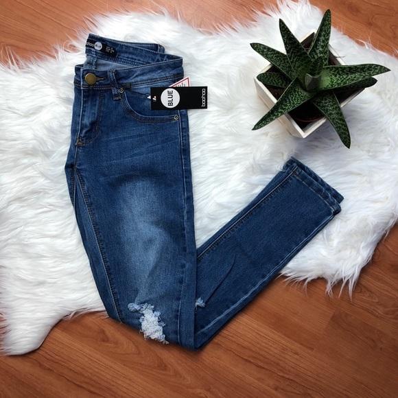 fd7e1ed6937 Boohoo Jeans   Loren Distressed Rip Knee Skinny 4   Poshmark